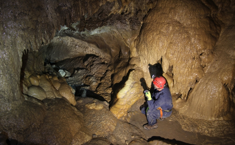 An underground adventure - Canmore's Grotto mountain 2