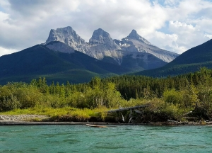 Scenic Bow River Float Tours in the Canadian Rockies 2