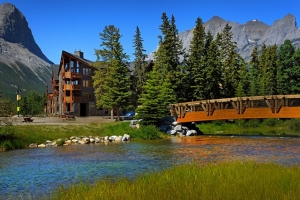 Spring Creek Vacations - Rundle Cliffs Mountain Lodge