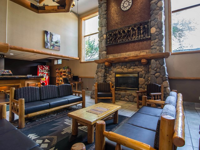 Quality Resort Chateau Canmore 3